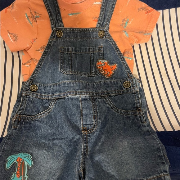 Children's place shorts overall set